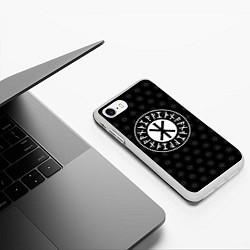 Чехол iPhone 7/8 матовый Защита Одина цвета 3D-белый — фото 2