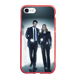 Чехол iPhone 7/8 матовый Малдер и Скалли цвета 3D-красный — фото 1