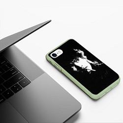 Чехол iPhone 7/8 матовый Цой с сигаретой цвета 3D-салатовый — фото 2