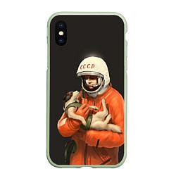 Чехол iPhone XS Max матовый Гагарин с лайкой цвета 3D-салатовый — фото 1