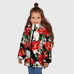 Куртка зимняя для девочки Черепки и розы цвета 3D-черный — фото 2