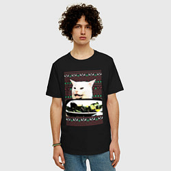 Мужская удлиненная футболка с принтом Woman Yelling at a Cat, цвет: черный, артикул: 10198542905753 — фото 2