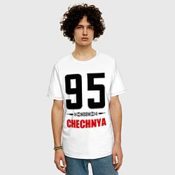 Мужская удлиненная футболка с принтом 95 Chechnya, цвет: белый, артикул: 10022359505753 — фото 2