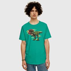 Футболка оверсайз мужская Диносамурай цвета зеленый — фото 2