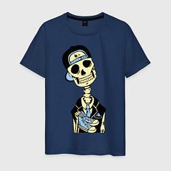 Футболка хлопковая мужская Скелет в кепке цвета тёмно-синий — фото 1