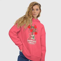Толстовка оверсайз женская Каждая роза имеет шипы цвета коралловый — фото 2