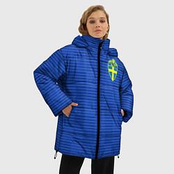 Женская зимняя 3D-куртка с капюшоном с принтом Сборная Швеции: Гостевая ЧМ-2018, цвет: 3D-черный, артикул: 10151652906071 — фото 2