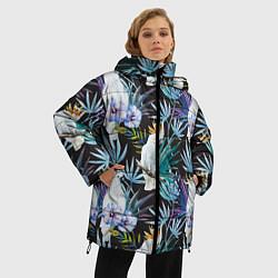 Женская зимняя 3D-куртка с капюшоном с принтом Тропические попугаи, цвет: 3D-черный, артикул: 10065275306071 — фото 2