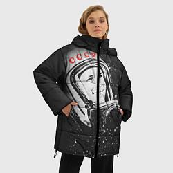 Женская зимняя 3D-куртка с капюшоном с принтом Гагарин в космосе, цвет: 3D-черный, артикул: 10091680406071 — фото 2