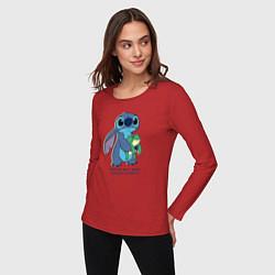 Лонгслив хлопковый женский Стич цвета красный — фото 2