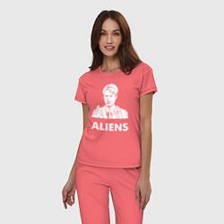 Пижама хлопковая женская Mulder Aliens цвета коралловый — фото 2
