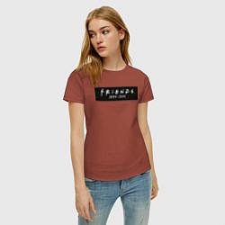 Футболка хлопковая женская Television Series Friends цвета кирпичный — фото 2