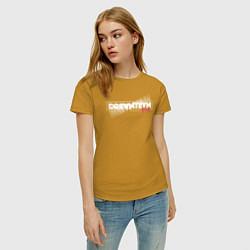 Футболка хлопковая женская Logo DreamTeam House цвета горчичный — фото 2
